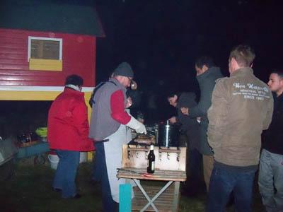 Osterfeuer 2016 in Mötzlich am Löschteich mit Grillen Bild 5